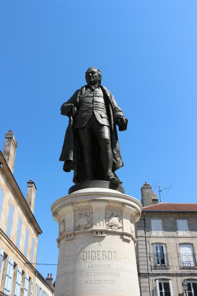 statue de diderot à langres-